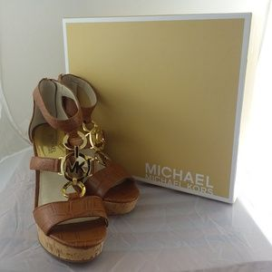 Michael Kors Hyden Wedge sz9, lightly used w/Box